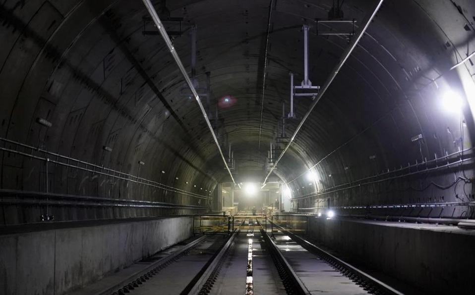 tunel-de-la-linea-del.jpg